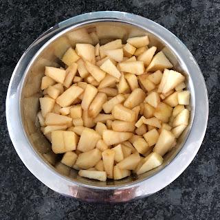 Morceaux pommes avec sucre