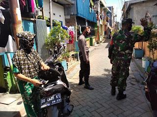 Operasi Yustisi, Bhabinkamtibmas Totaka Bersama Babinsa Patroli Imbau Warganya