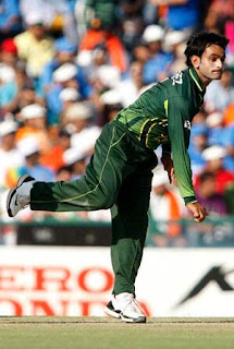 Mohammad Hafeez 4-10 - Zimbabwe vs Pakistan 1st T20I 2011 Highlights