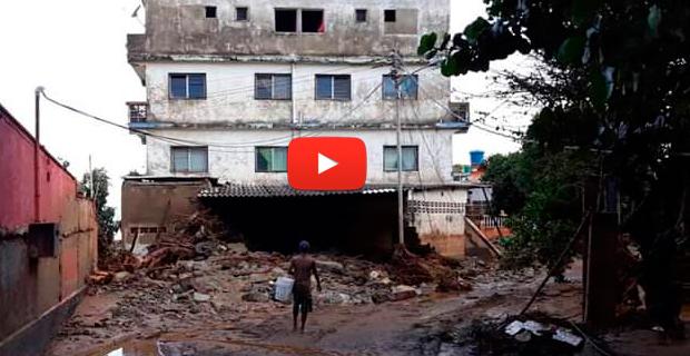 Carayaca bajo las aguas y los escombros tras la lluvia constante