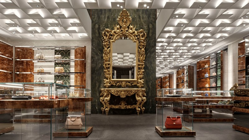 Roma Shop   More  Dolce   Gabbana. Reopening con ampliamento a Via ... 037d949ddb5