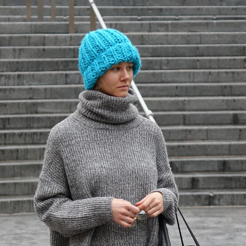 Turkusowa czapka - Czytaj więcej »