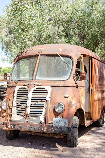 Meander Gatherings Vintage Metro Van for Pop Up Weddings