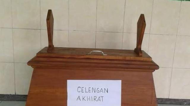 Sering Kecurian, Pengurus Masjid Membuat Kotak Amal Yang Bikin Merinding