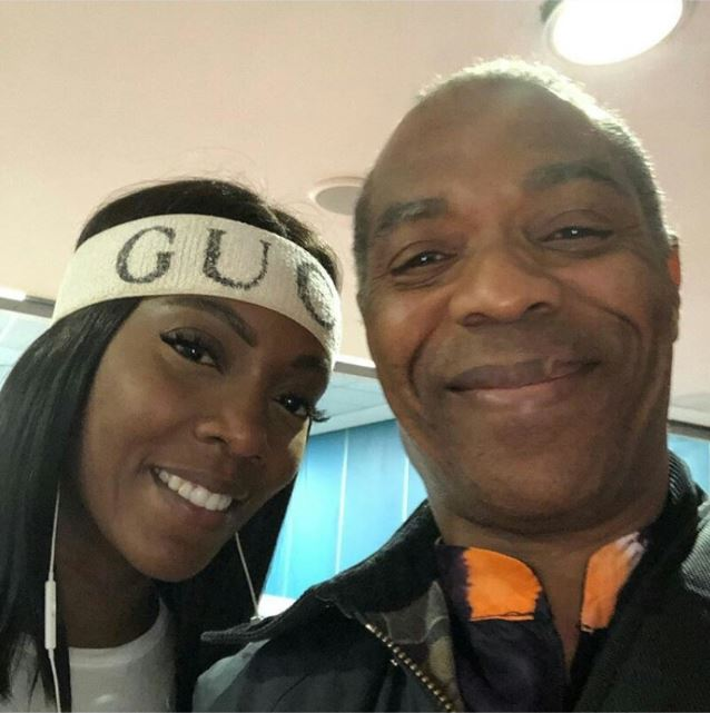 News In Pictures: Tiwa Savage Takes Cute Selfie With Legendary Singer, Femi Kuti