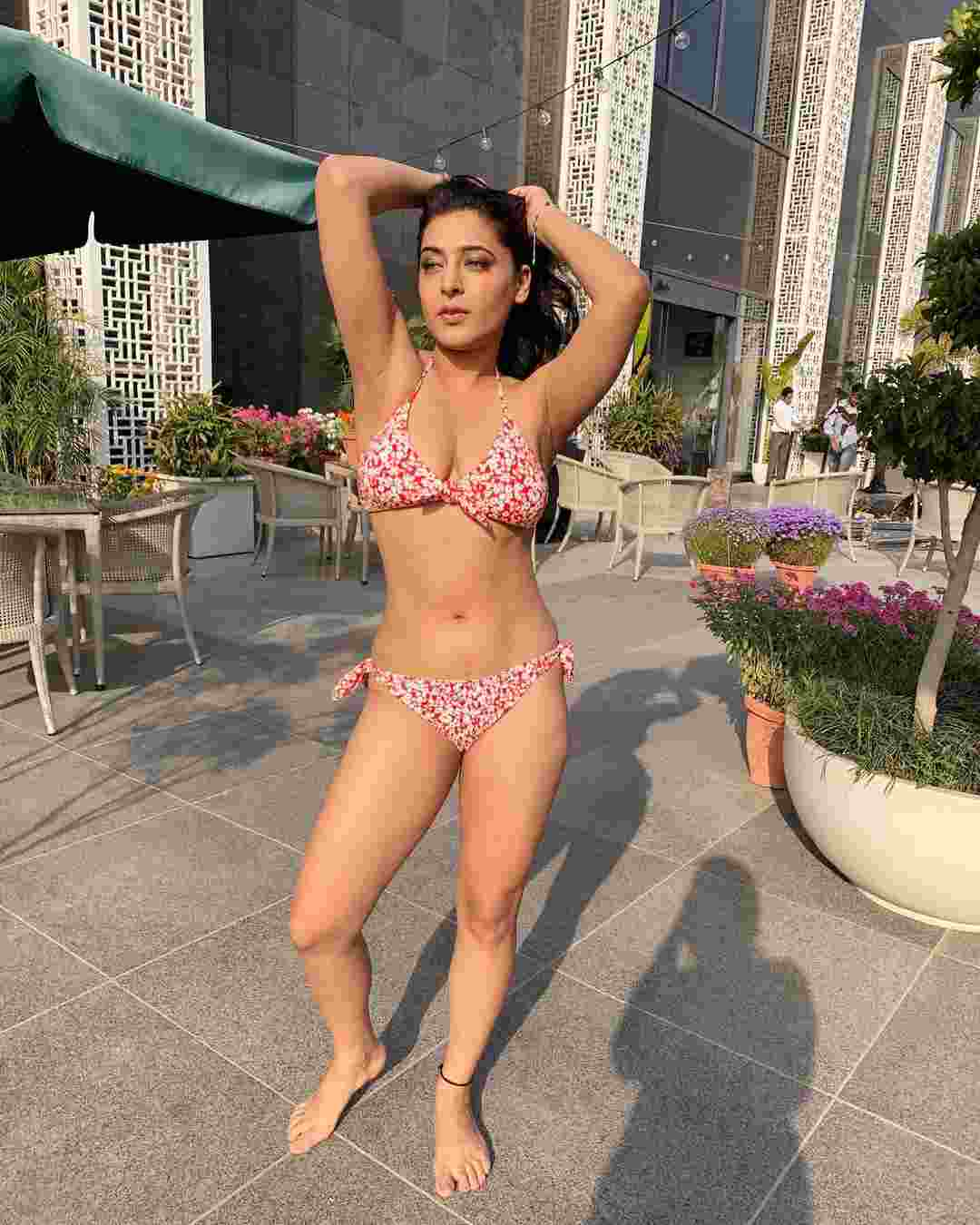 Ullu Web Series Actress Shiny Dixit Bikini  Photos