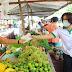 Altinho-PE: Secretaria de Saúde em conjunto com a Secretaria de Agricultura distribui máscaras e álcool 70% para os feirantes do município