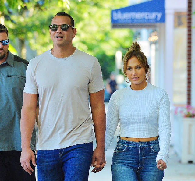 Alex Rodriguez texted Jennifer Lopez a sexy message from the bathroom on their first date Onlinelatesttrends