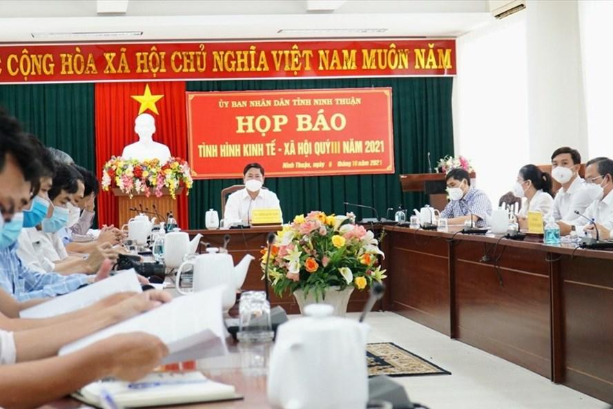 Người tiêm 2 mũi vaccine sẽ không phải cách ly tập trung khi về Ninh Thuận