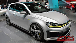 Review Mobil VW GOLF