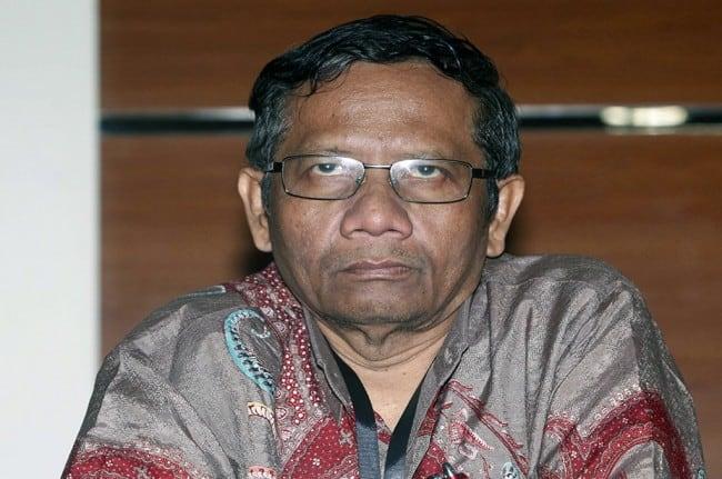 Foto Bareng Pengancam Jokowi Viral, Mahfud: Emang Gue Pikirin!