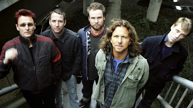 Pearl Jam anunciam novo álbum