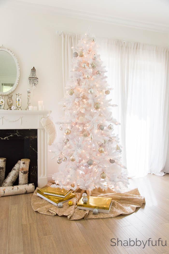 white-gold-christmas-tree