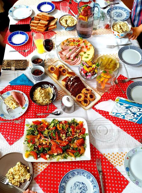 sałatka na każdą okazję,sałatka na imprezę,z kuchni do kuchni najlepszy blog kulinarny,sałatka na imieniny,wartości odżywcze sałaty,
