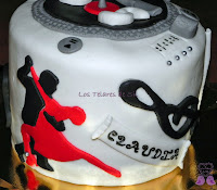 TARTA FONDANT MUSICAL RED VELVET
