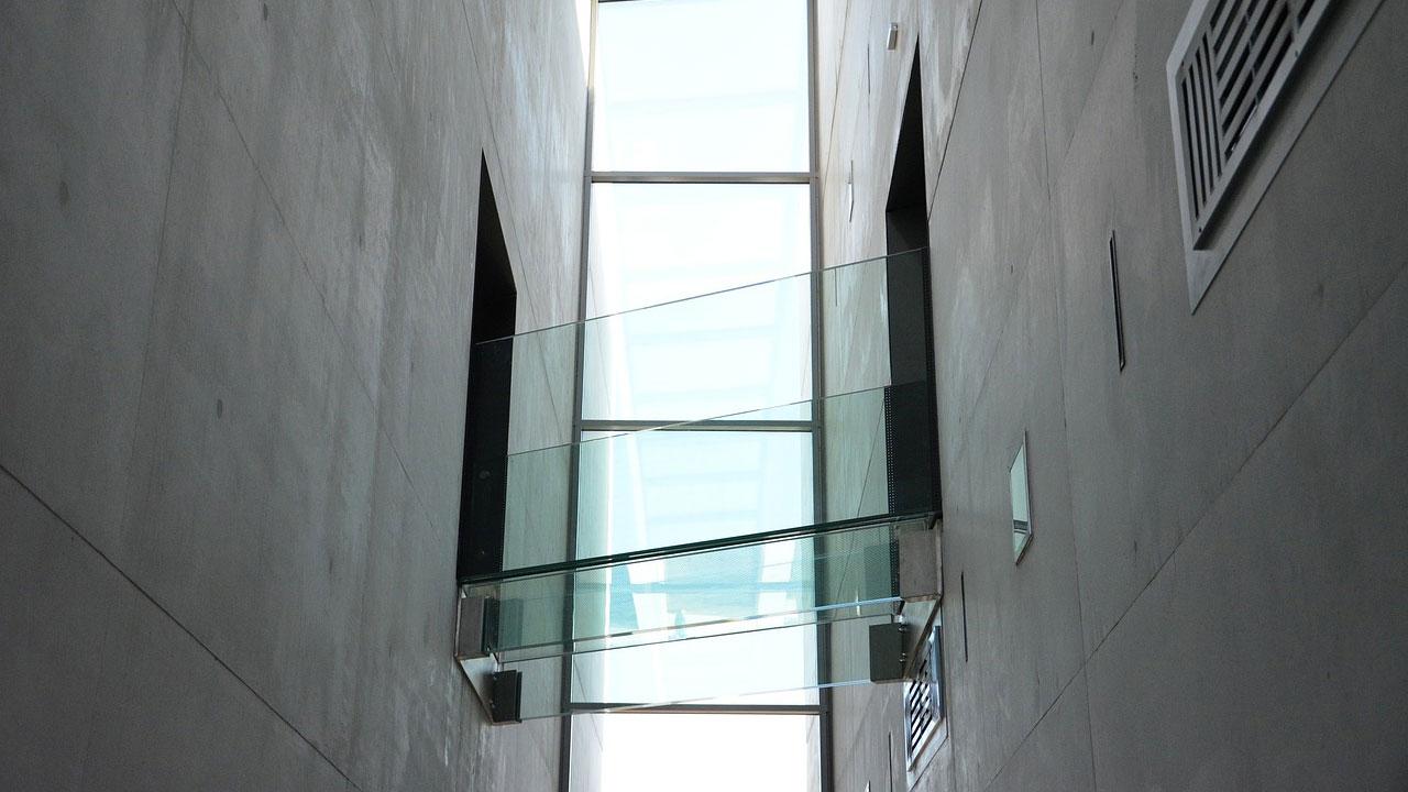 Jenis-Jenis Kaca untuk Bangunan Rumah