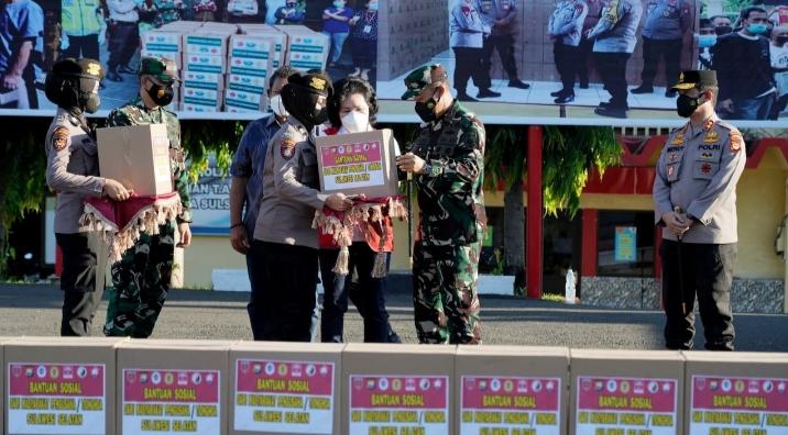 Pangdam Hasanuddin, Bantuan Sembako Dari Masyarakat Pengusaha Tionghoa Wujud Kepedulian di Masa Pandemi Covid-19