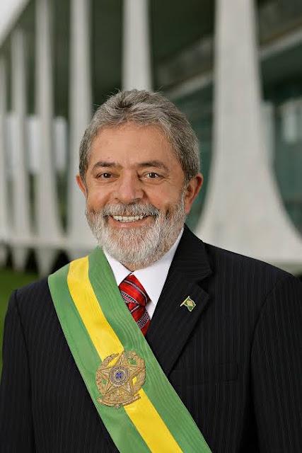 Foto  do Presidente luis Inácio Lula da Silva quado estava na Presidência da República.