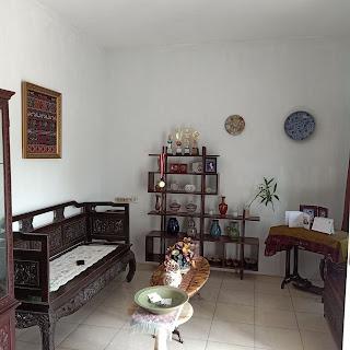 Ruang tamu rumah dalam komplek 3 lantai 3 kamar tidur di Jl. Karsa depan kantor BPJS Kesehatan Medan