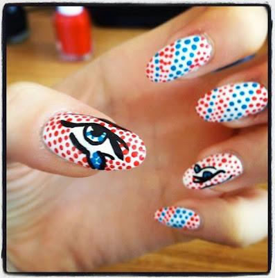 diseño de uñas estilo pop art