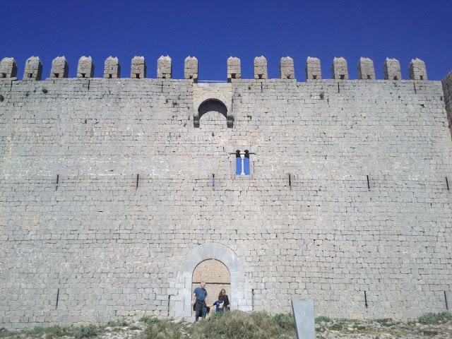 Castell del Montgrí des de davant