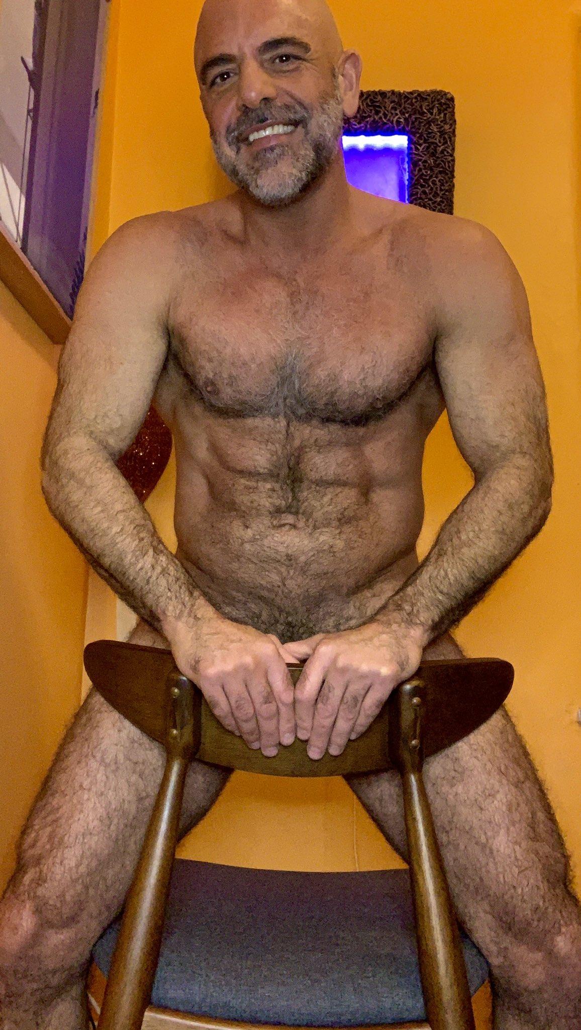 padrastro desnudo