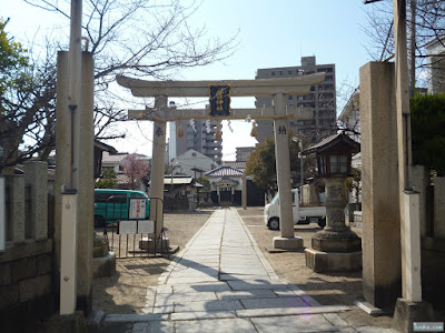 東成区中道の八阪神社鳥居
