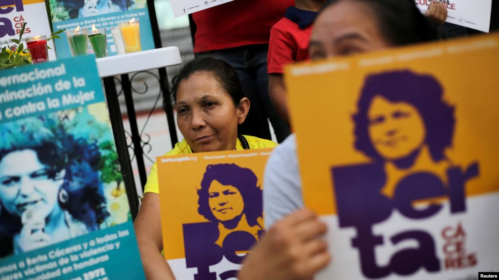 El asesinato de la líder ambientalista Berta Cáceres el 2 de marzo de 2016 generó protestas en Honduras /  REUTERS
