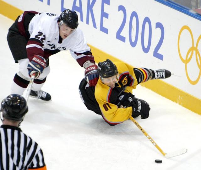 Форма сборной Латвии по хоккею на Олимпиаде 2002