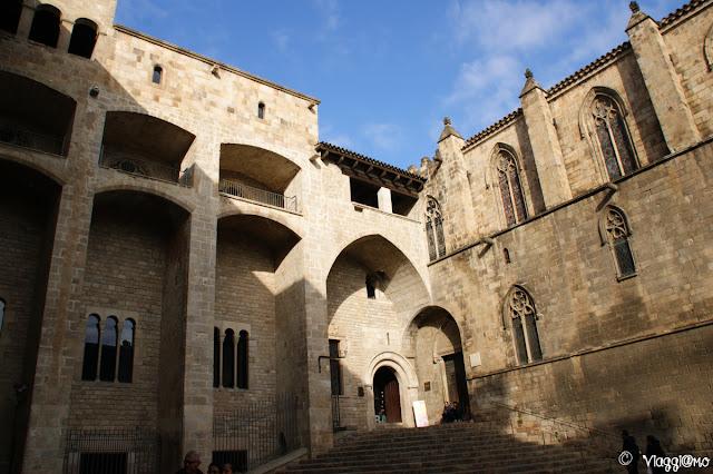 Placa del Rei nel quartiere Gotico ed i suoi palazzi storici