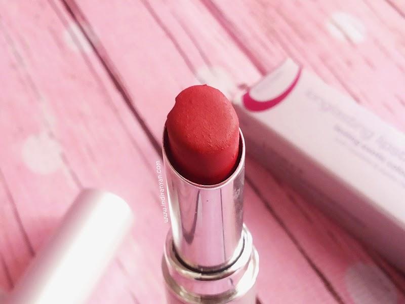 Wardah Long Lasting Lipstick Lustrous Red