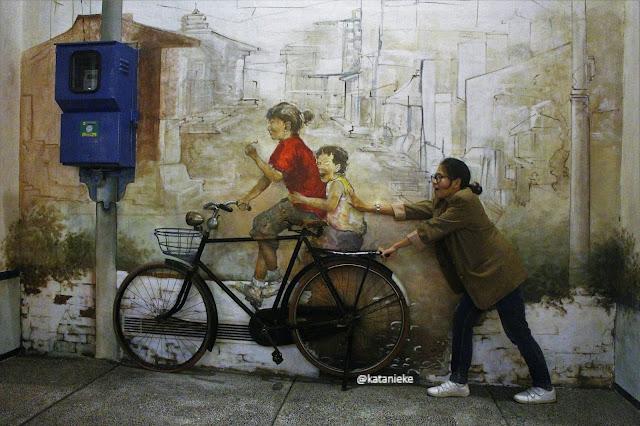 Tembok mural ala Penang. Foto oleh Nieke.