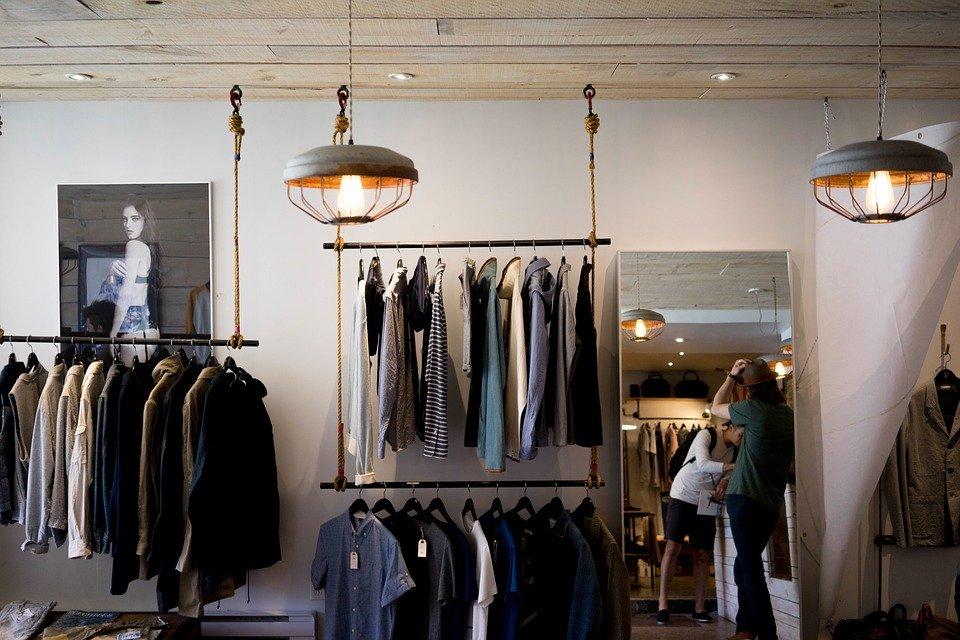 Butik merek pakaian terkenal