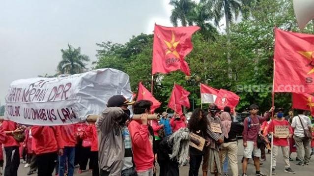 Cerita Dukun Santet di Demo UU Cipta Kerja, Mau Tiup Ubun-ubun Anggota DPR