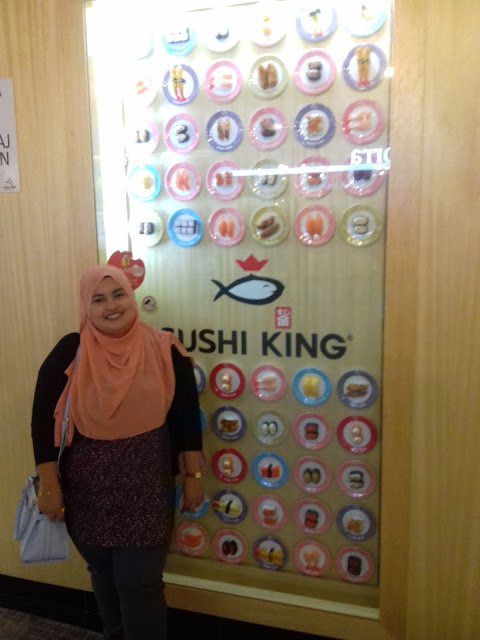 Sambutan Anniversary ke 10.. Makan Sushi King je...