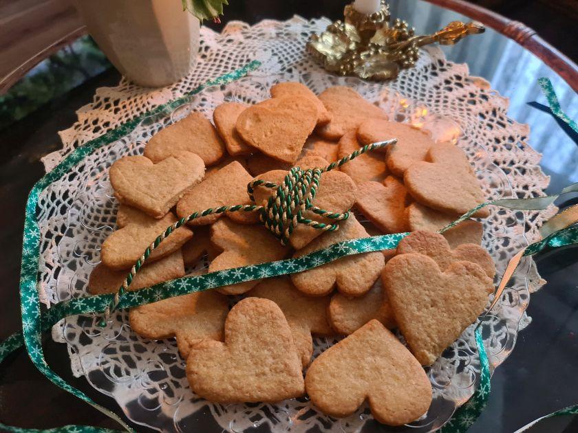 Świąteczny przepis: Pyszne i szybkie ciasteczka imbirowe