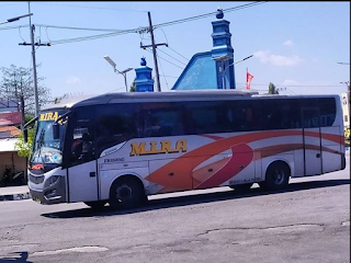 Bus Eka Solo