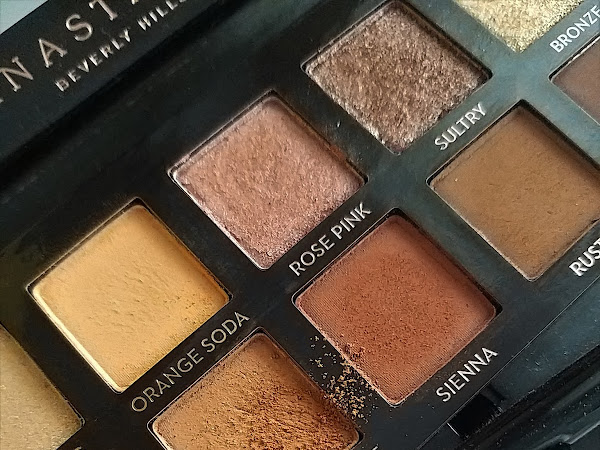 ABH Soft Glam Palette // Review