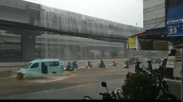 Viral 'Air Terjun' Tol Becakayu Bikin Banjir Bekasi, Ini Kata Bina Marga