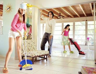 Dọn vệ sinh nhà sạch sẽ, ngăn nắp sẽ giúp mang may mắn vào ngôi nhà mới