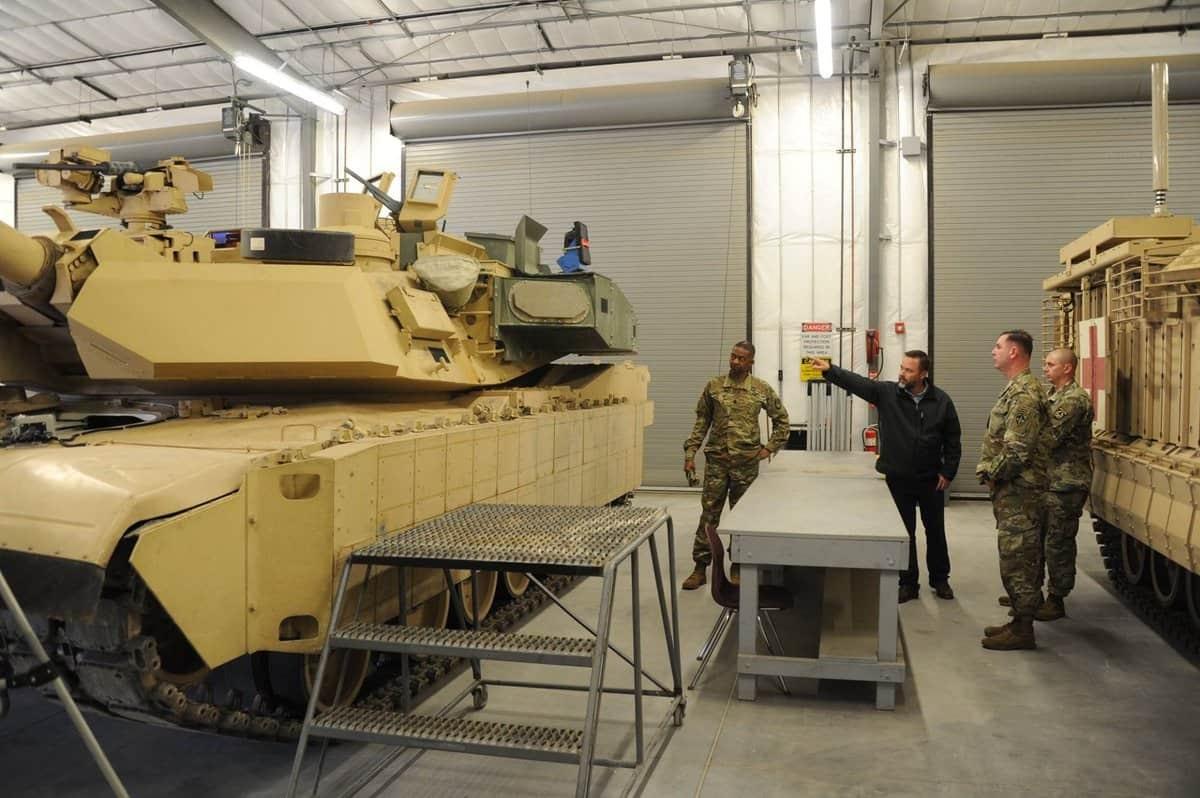 Tanque M1A2 Abrams [ 笑脸男人 @lfx160219]