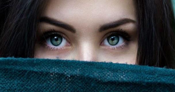 غزل في العيون أبيات شعر قصيرة عن العيون