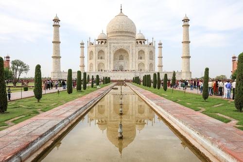 Taj Mahal A sybmbol of beauty|love