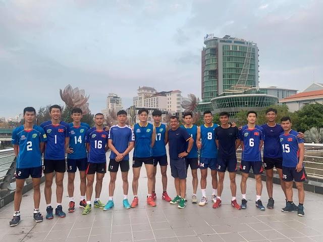 Các cầu thủ nam TPHCM về miền Tây tập huấn