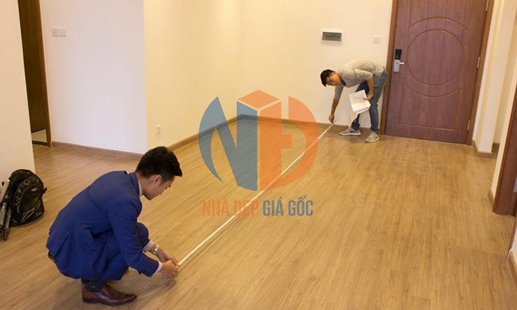 Cách kiểm tra sàn căn hộ chung cư có đạt tiêu chuẩn hay không.