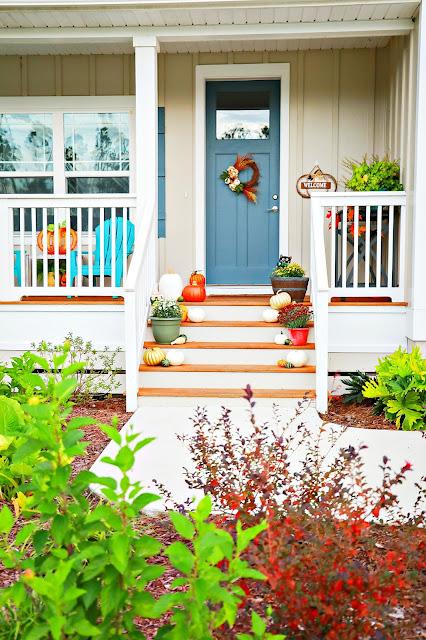 porch-farmhouse-fall-inspiration-athomewithjemma