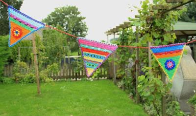 gehaakte, kleurige vlaggenlijn