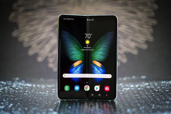 نفاذ هاتف Galaxy Fold من الأسواق الصينية بعد 5 دقائق على إطﻻقه!