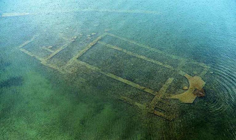 Basílica submersa de Niceia foi cenário do primeiro Concílio da Igreja. Crises, perseguições e heresias tentam afundar a Igreja. Mas Ela permanece contra tudo.