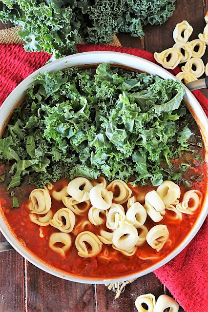 How to Make Sausage Tortellini Soup Image